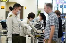 COVID-19: les aéroports de Noi Bai et Tan Son Nhat s'arrêtent de recueillir des vols de R.de Corée