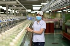COVID-19 : L'industrie du textile-habillement cherche à s'adapter