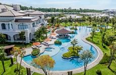 COVID-19 : Vietnam Airlines et Vinpearl offiront 5.000 forfaits vacances au personnel de santé