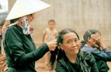 Une Japonaise au service des campagnards vietnamiens