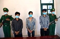 Trois personnes arrêtées pour avoir amené illégalement des étrangers au Vietnam