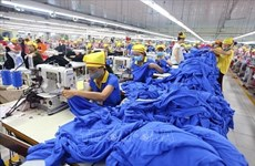Vietnam-Inde: de nombreux espaces pour renforcer la coopération de textile de santé