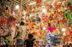Hàng Ma, rue multicolore lors de la fête de la Mi-automne