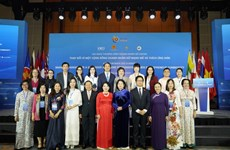 Le Sommet des femmes chefs d'entreprise de l'ASEAN et des entrepreneuses brillantes vietnamiennes