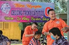 Un philanthrope dans l'hair du temps