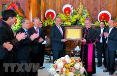 Noël : le vice-PM Truong Hoa Binh adresse ses vœux aux chrétiens de Thua Thien-Hue et Da Nang