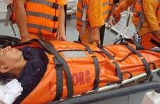 Bà Ria - Vung Tàu : un marin philippin malade transporté vers le continent