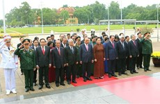 Hommage au Président Ho Chi Minh à l'occasion de la Fête nationale