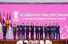 Le PM Nguyen Xuan Phuc au 22e Sommet de l'ASEAN+3
