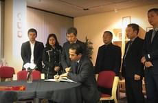 Camion charnier : le vice-ministre des Affaires étrangères To Anh Dung au Royaume-Uni