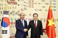 Le PM Nguyen Xuan Phuc rencontre le président de l'Assemblée nationale sud-coréenne