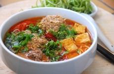 Le Figaro présente la street food vietnamienne avec « huit merveilles à déguster à Hanoï »