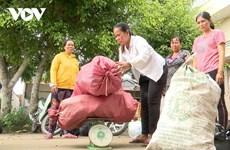 Le tri des déchets à Soc Trang: une source de revenus