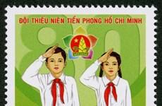 Emission d'une collection de timbres sur les jeunes pionniers de Ho Chi Minh