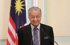 Le Premier ministre malaisien Mahathir Mohamad remet sa démission au roi