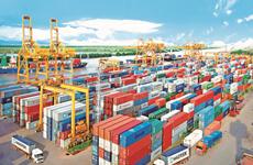 Le Vietnam réalise un excédent commercial de 3,04 milliards de dollars en quatre mois