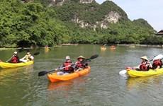 Ninh Binh : faire du kayak au complexe touristique de Trang An, une nouvelle expérience