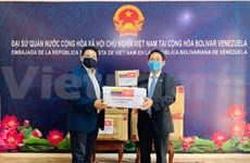COVID-19 : Le Vietnam fait don de fournitures médicales au Venezuela