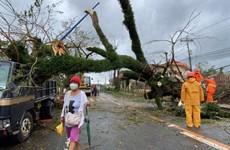Le super typhon Goni frappe les Philippines, provoquant des glissements de terrain
