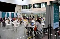 Singapour: La vaccination anti-COVID-19 est désormais ouverte aux citoyens âgés de 45 à 59 ans