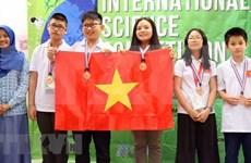 Des élèves de Hanoï remportent de l'or à un concours scientifique en Malaisie