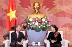 La présidente de l'AN Nguyen Thi Kim Ngan reçoit le ministre italien des AE