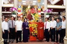 La vice-présidente Dang Thi Ngoc Thinh félicite des bouddhistes à Ho Chi Minh-Ville