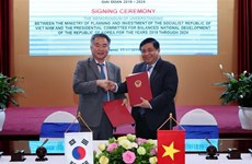Le Vietnam et la R. de Corée coopèrent dans l'élaboration de politiques de développement équilibré