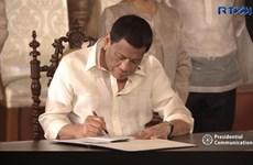 Le président Rodrigo Duterte signe une loi créant l'Agence spatiale philippine