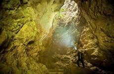 La grotte Thien Huong dans la province de Ninh Binh