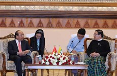 Le PM Nguyen Xuan Phuc rencontre le président de la Chambre des représentants du Myanmar