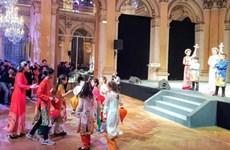 Des Vietnamiens en France célèbrent le Nouvel An lunaire