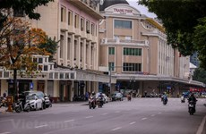 Les rues de Hanoï désertées au milieu des craintes de COVID-19