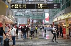 COVID-19 : Singapour interdit l'entrée et le transit aux visiteurs à court terme