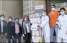 Des Vietnamiens à l'étranger contribuent à la lutte contre le COVID-19