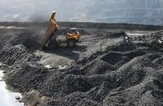 COVID-19 : l'industrie charbonnière aide Quang Ninh à maintenir sa croissance économique