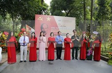 Ouverture d'une exposition sur le Président Hô Chi Minh à Hanoi