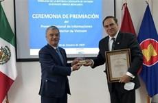 Remise de Prix nationaux de l'information pour l'étranger 2020 à des auteurs mexicains