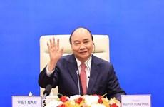 Le président Nguyen Xuan Phuc participe à une réunion informelle de l'APEC