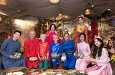 Tet Celebration – rencontre inoubliable d'étrangers au Vietnam à l'occasion du Nouvel An lunaire