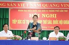 La présidente de l'AN Nguyen Thi Kim Ngan rencontre des électeurs de Can Tho