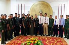 Des officiels cambodgiens partagent la joie du Nouvel An avec la province de Soc Trang