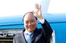 """Le PM Nguyen Xuan Phuc part pour participer au 2e Forum de """"la Ceinture et la Route"""" en Chine"""