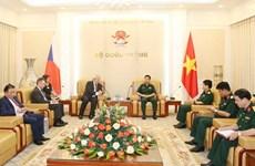 Le Vietnam et la République tchèque vont faciliter le partenariat dans l'industrie de la défense