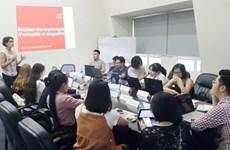 Hanoï: Seize journalistes francophones à l'atelier de formation au reportage
