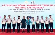 Ho Chi Minh-Ville:  Remise des bourses du Fonds Lawrence S. Ting