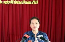 La présidente de l'AN rencontre des électeurs de Can Tho