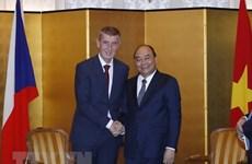Le PM rencontre des dirigeants de la R. tchèque, de la Bulgarie et de l'Albanie