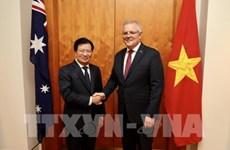 Le vice-PM Trinh Dinh Dung en visite de travail en Australie