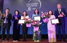 Des scientifiques vietnamiennes reçoivent des prix L'Oréal-UNESCO